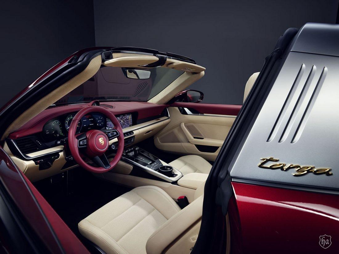 Porsche_911_Targa_4S_Heritage_Design_Edition_2