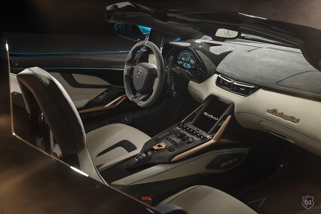 Lamborghini_Sian_Roadster_4